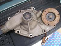 the broken water pump from the 200TDI Discovery